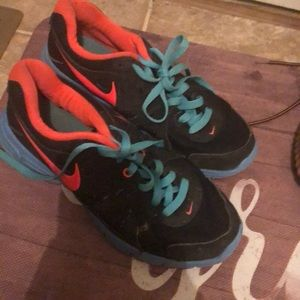 Nike revolution 2 in good condition